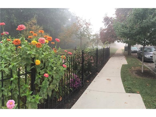 2435 Beechwood Blvd, Squirrel Hill, PA - USA (photo 2)