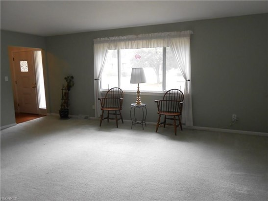 24024 Noreen Dr, North Olmsted, OH - USA (photo 3)