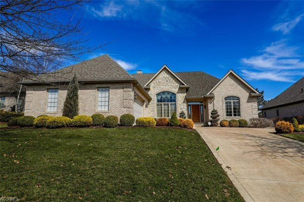 6485 Dunwoody Nw Cir, Canton, OH - USA (photo 1)
