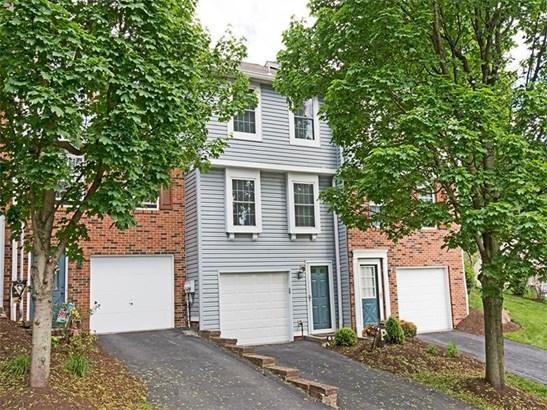 102 Saxonwald Lane, Castle Shannon, PA - USA (photo 1)