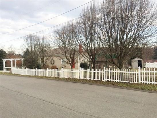 202 East Ave, West Mifflin, PA - USA (photo 4)