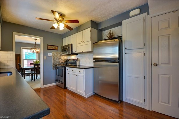 21240 Hillsdale Ave, Fairview Park, OH - USA (photo 3)