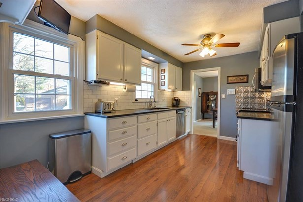 21240 Hillsdale Ave, Fairview Park, OH - USA (photo 5)