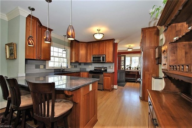 2666 Derbyshire Rd, Cleveland Heights, OH - USA (photo 4)