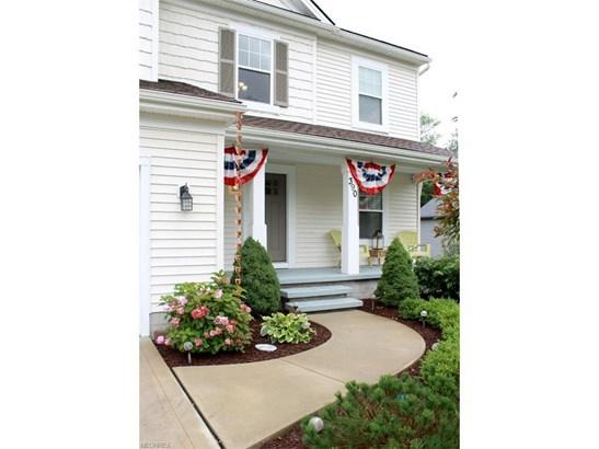 390 Wilson Mills Rd, Chardon, OH - USA (photo 4)
