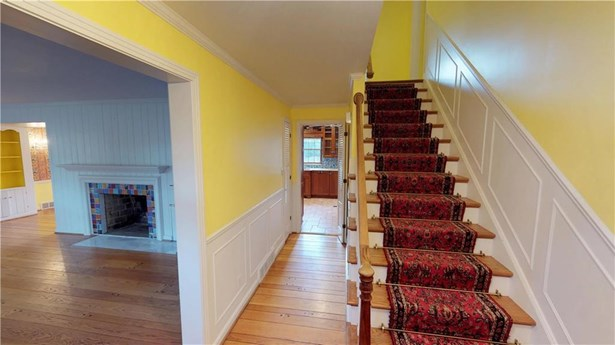 1141 Hilltop Road, Erie, PA - USA (photo 4)