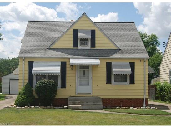 2911 Maplecrest Ave, Parma, OH - USA (photo 1)