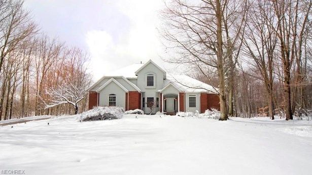 12580 Chesterfield Ln, Chesterland, OH - USA (photo 2)