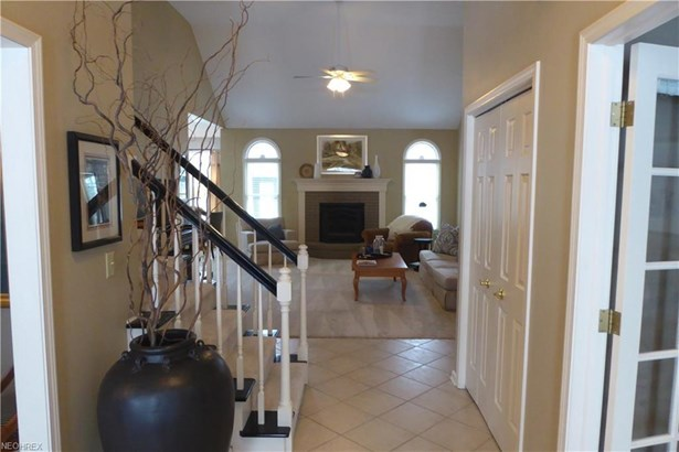 12580 Chesterfield Ln, Chesterland, OH - USA (photo 4)