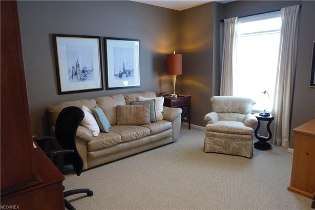 12580 Chesterfield Ln, Chesterland, OH - USA (photo 5)