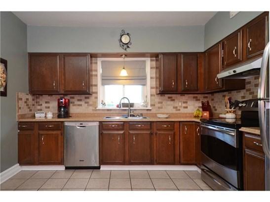 2132 Old Oakdale Rd, Mc Donald, PA - USA (photo 5)