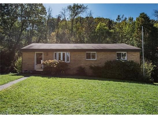 325 Circle Dr, White Oak, PA - USA (photo 1)