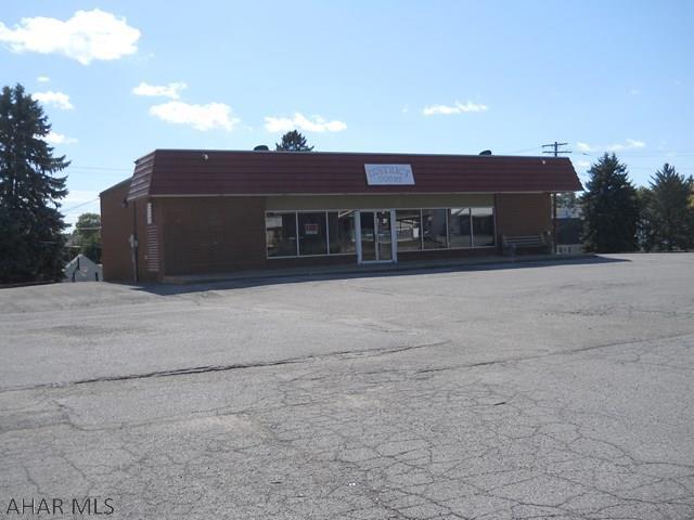 800 E Main Street, Roaring Spring, PA - USA (photo 1)