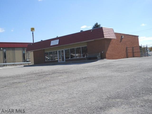 800 E Main Street, Roaring Spring, PA - USA (photo 2)