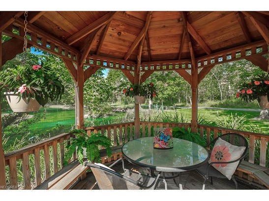 38070 Rogers Rd, Willoughby Hills, OH - USA (photo 2)