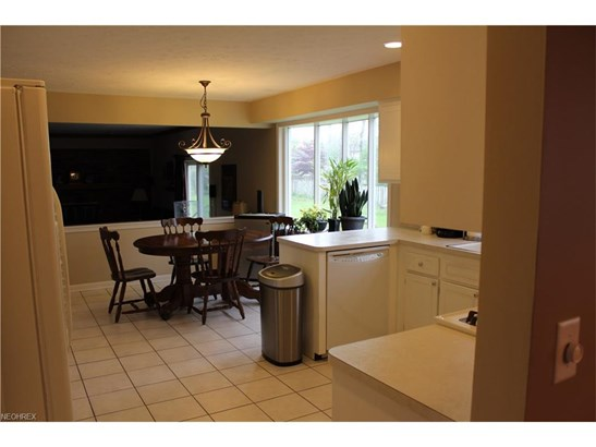 6679 Renwood Rd, Independence, OH - USA (photo 5)