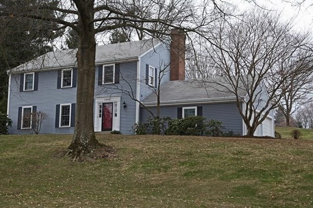 1566 Village Drive, Franklin Park, PA - USA (photo 1)