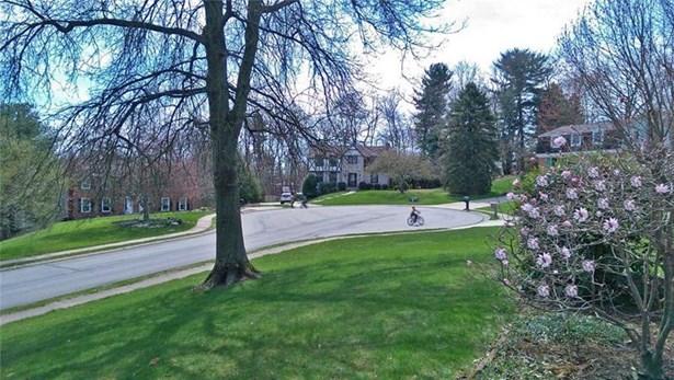 1566 Village Drive, Franklin Park, PA - USA (photo 2)