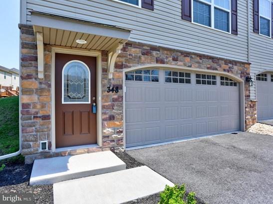 348 Weatherstone Dr, New Cumberland, PA - USA (photo 2)