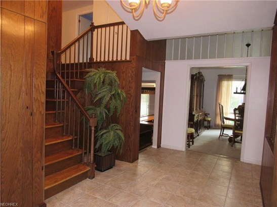 6080 Christman Dr, North Olmsted, OH - USA (photo 2)