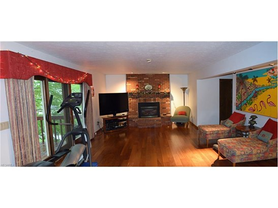 5734 Amber Ct, Willoughby, OH - USA (photo 3)