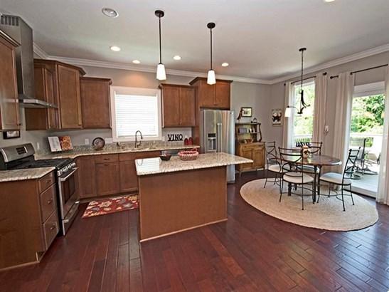 636 Forest Oaks Trl, North Huntingdon, PA - USA (photo 4)