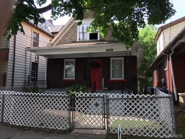 2231 Cudaback Avenue, Niagara Falls, NY - USA (photo 1)