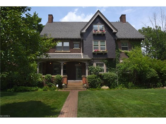 2581 Berkshire Rd, Cleveland Heights, OH - USA (photo 1)