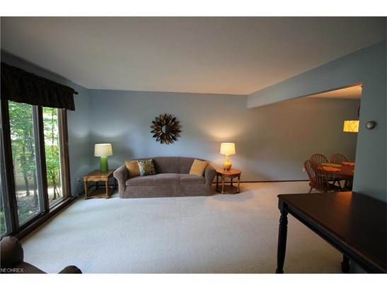 3014 Shady Ln, Seven Hills, OH - USA (photo 2)