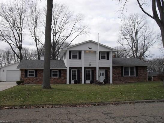 831 Oakcrest Ne Ln, Massillon, OH - USA (photo 1)