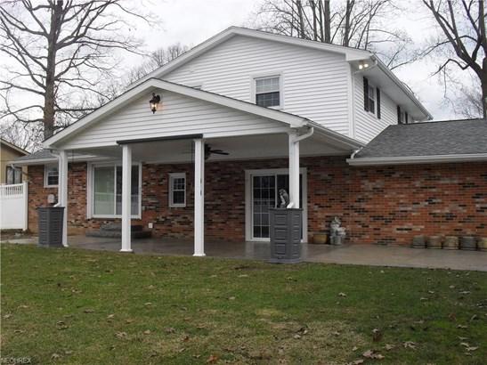 831 Oakcrest Ne Ln, Massillon, OH - USA (photo 2)