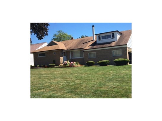 30418 Briar Ct, Wickliffe, OH - USA (photo 1)