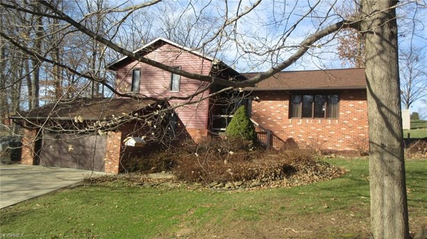 2345 Hildale Nw Dr, Dover, OH - USA (photo 1)