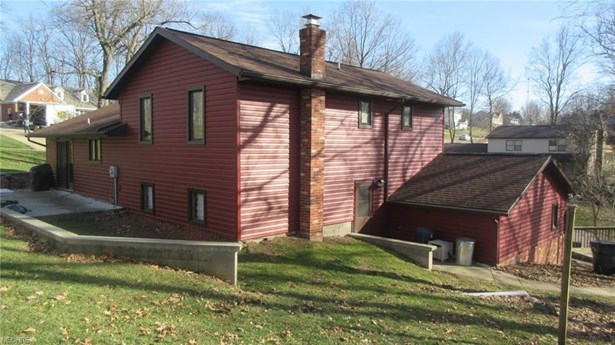 2345 Hildale Nw Dr, Dover, OH - USA (photo 2)