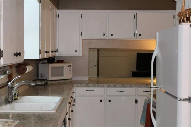 300 Dunbar Rd, Tallmadge, OH - USA (photo 4)