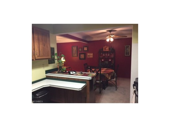 5525 Carol Jean Blvd, Garfield Heights, OH - USA (photo 5)