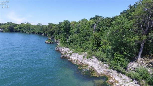 5 Rattlesnake Island, Put In Bay, OH - USA (photo 2)