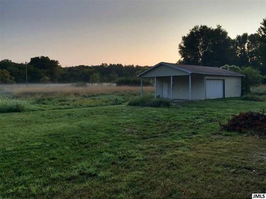 5904 W Plains Rd, Eaton Rapids, MI - USA (photo 2)
