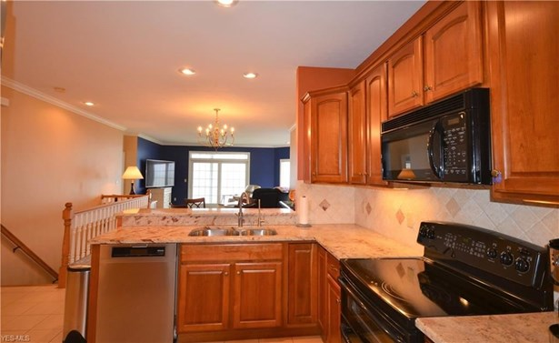 2856 Whispering Shores Dr, Vermilion, OH - USA (photo 4)