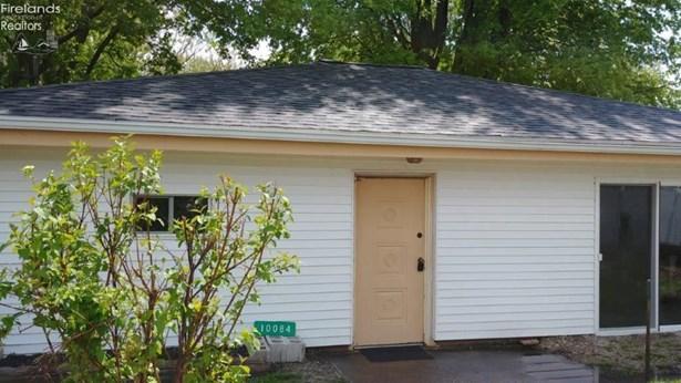 10084 W Scott Street, Oak Harbor, OH - USA (photo 1)