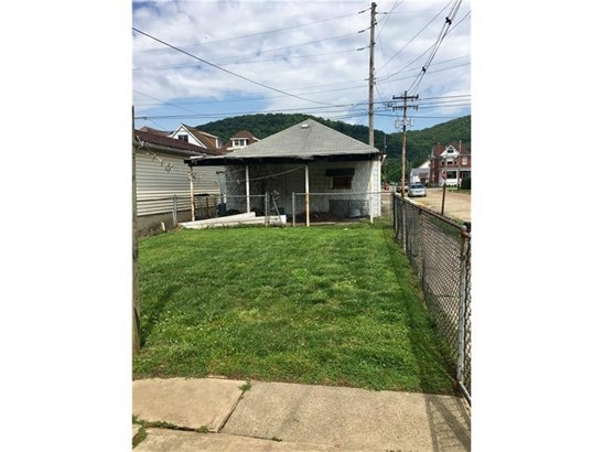 1139 5th Ave, Ford City, PA - USA (photo 3)