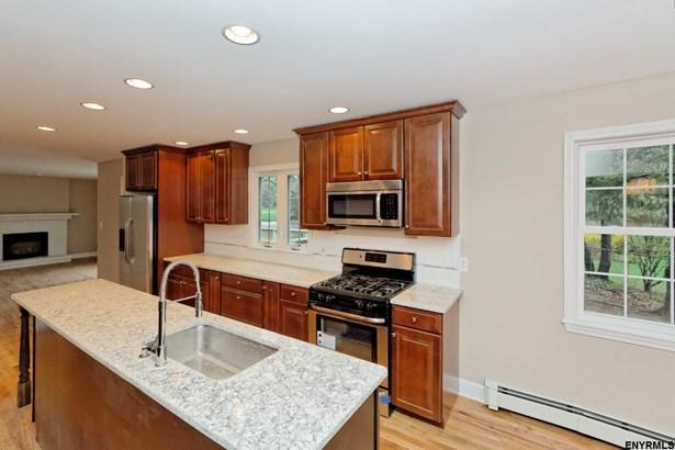 3200 Traber Rd, Schenectady, NY - USA (photo 3)