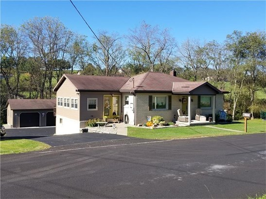 216 Oglevee Ln, Connellsville, PA - USA (photo 2)