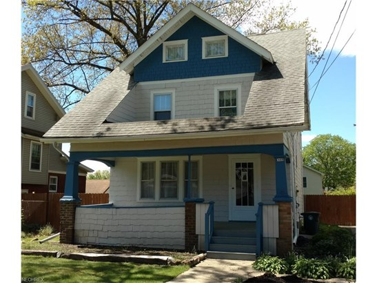 1066 Chalker St, Akron, OH - USA (photo 1)