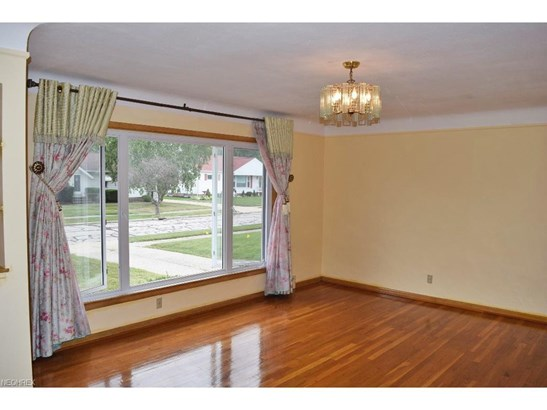 1730 Bellingham, Mayfield Heights, OH - USA (photo 2)