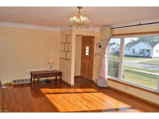 1730 Bellingham, Mayfield Heights, OH - USA (photo 3)