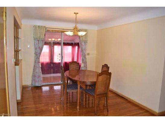 1730 Bellingham, Mayfield Heights, OH - USA (photo 4)