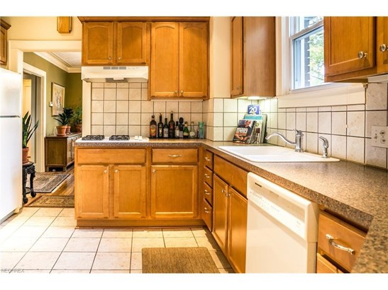 3387 Bradford Rd, Cleveland Heights, OH - USA (photo 5)