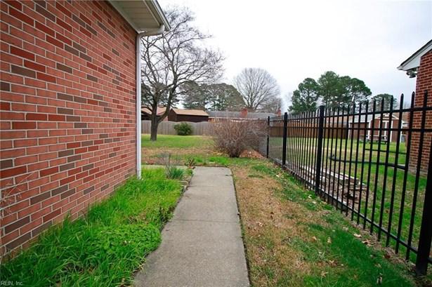 916 Thornhill Dr, Hampton, VA - USA (photo 4)