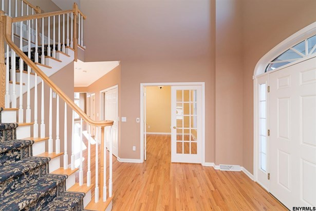 6 North Pointe Dr, Cohoes, NY - USA (photo 2)